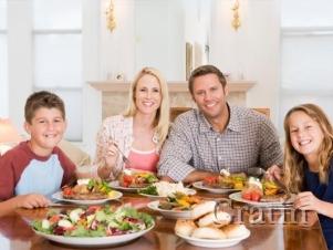 Ужин за семейным столом прививает чувство меры