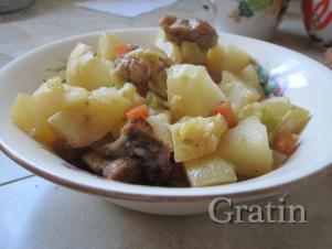 Жаркое из молодого картофеля с кабачком