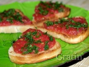 Тосты с томатами и чесноком