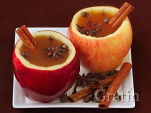 Сидр с корицей в яблоках