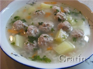 Суп с рисом и фрикадельками