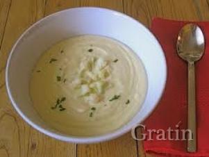 Суп-крем из цветной капусты с соусом бешамель