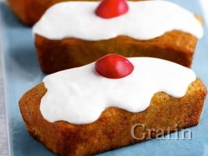 Кокосовые пирожные с вишнями