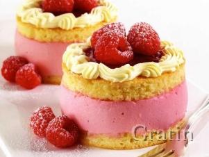Пирожные с малиновым муссом