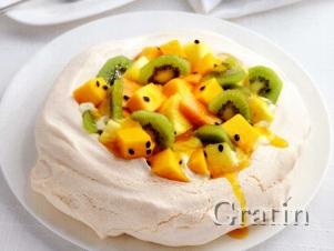 Торт «Павлова» с фруктами