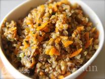 Гречневый гарнир с морковью и луком