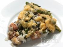 Запеканка из лосося с рисом и спаржевой фасолью