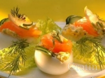 Фаршированные яйца с копчёным лососем