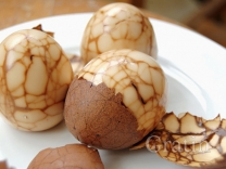 Мраморные яйца