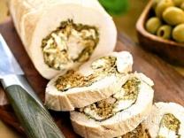 Рулет из индейки с сыром и каперсами