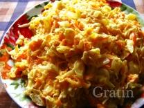 Мясной салат с редькой и морковью