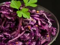 Салат из краснокочанной капусты с говядиной
