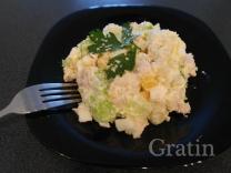 Салат с индейкой и кунжутным топпингом