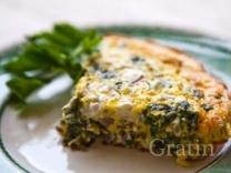Фриттата с козьим сыром и шпинатом
